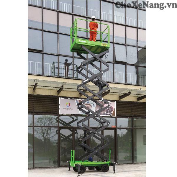 xe thang nâng người cắt kéo